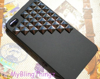 Gunmetal Pyramid Studs on Natural Black Case Cover for Apple iPhone 4 4G 4S AT&T Verizon Sprint
