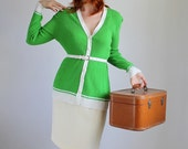 1970s Bright Lime Green Sweater. Mod. Office Fashion. Mad Men Fashion. Spring Fashion. Summer Fashion. Size Large