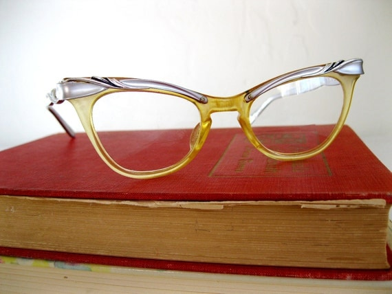 Sale - Vintage 1950s Cateye Glasses. Geek Chic. Silver Design. Mad Men Fashion. Office Fashion. Secretary. Professional. Fall Fashion