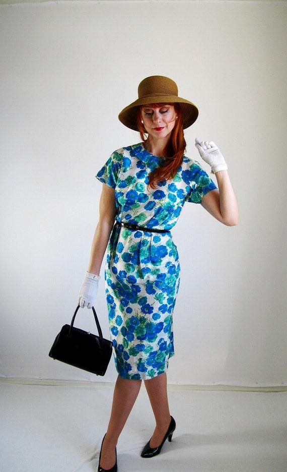 Summer Sale - Vintage 1950s Floral Silk Wiggle Dress. Blue Green. Mad Men. Office. Pastel. Summer. Fall. Size Medium