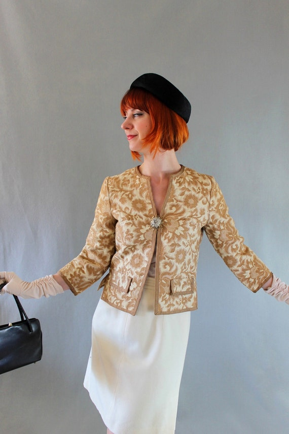 Sale- 1960s Jacket. Beige Brown. Tapestry Fabric. Floral Fashion. Mad Men Fashion. Office Fashion. Spring Fashion. Size Medium