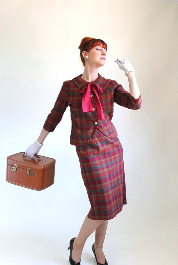 Sale - Vintage 1960s Dress Suit. Burgundy Plaid. Mad Men Fashion. Office Fashion. Summer. Fall Fashion. Size Medium