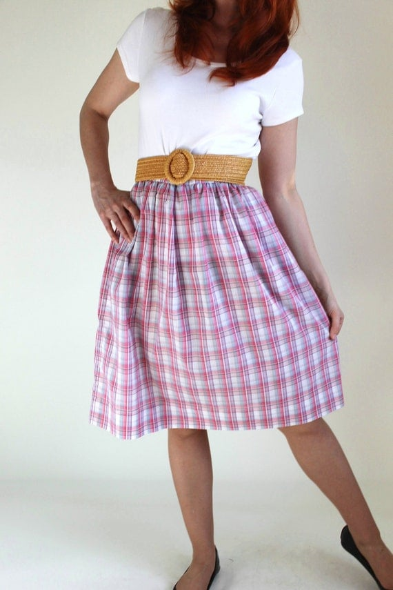 Sale - Vintage 1970s Skirt. Pink White Plaid. Office Fashion. Fall Fashion. Summer. Back To School. Mad Men Fashion. Size Medium