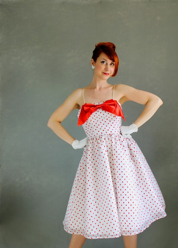 Sale - 1960s White Red Polka Dots Party Dress. Mad Men Fashion. Formal Dress. Cocktail Dress . Holiday Dress. Weddings. Fall Fashion. Medium