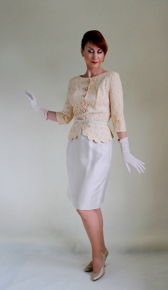 Sale - Vintage 1950s Cream Lace Dress Set. Mad Men Fashion. Weddings. 50s Cocktail Dress Set. Fall Fashion. Spring Fashion. Size Medium