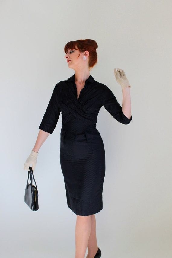 STOREWIDE SALE- 1950s Navy Wiggle Dress. Mad Men Fashion. Office. Weddings. Cocktail Dress. Summer. Size Small