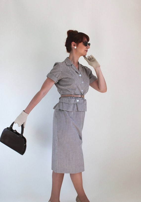 Sale - 1950s Brown White Gingham Suit. Day Dress. Mad Men Fashion. Office. Cocktail Party. Weddings. Summer Fashion. Spring Fashion. Medium