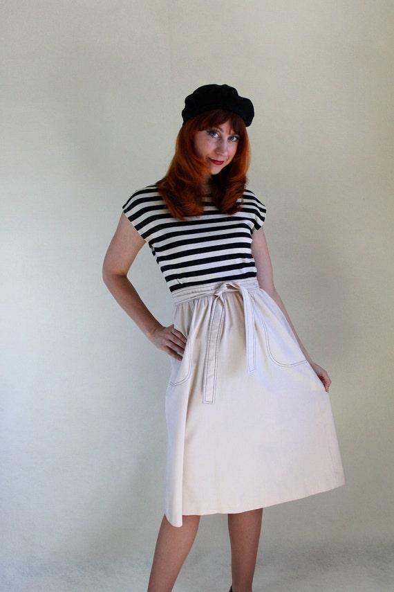 Sale - Vintage 1970s Black Beige Wrap Dress. Nautical Stripes. Hipster. Office. Resort. Fall Fashion. Spring Fashion. Size Medium