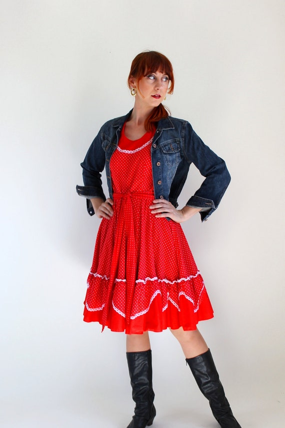 Sale - Vintage 1960s Polka Dot Red Dress. Boho. Day Dress. Fall Fashion. Spring Fashion. Size Medium