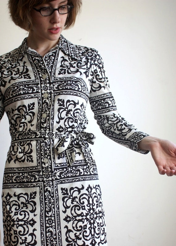 Black and White 1960s Collar Dress with Original Sash S/XS