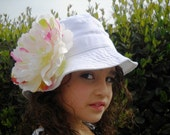 White Sun Hat with a Gorgeous Cream/Cerise Peony/w a Free pair of Sunglasses
