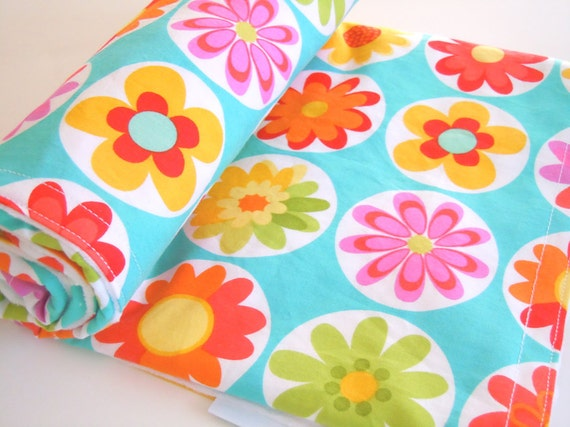 Minky Baby Blanket - Big Daisy Dot - 5 Dollar Shipping to US and Canada