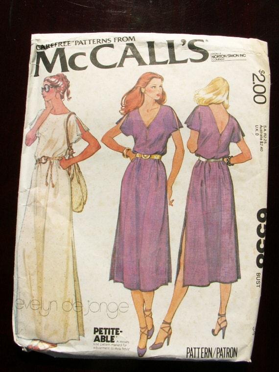 Vintage 1970s Dress Pattern Bust 34