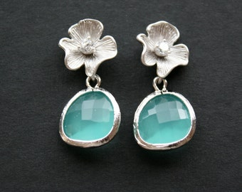 Flower and aqua blue glass stone earrings - silver - bridesmaids jewelry, wedding jewelry, bridal gifts, birthday gifts, anniversary gifts