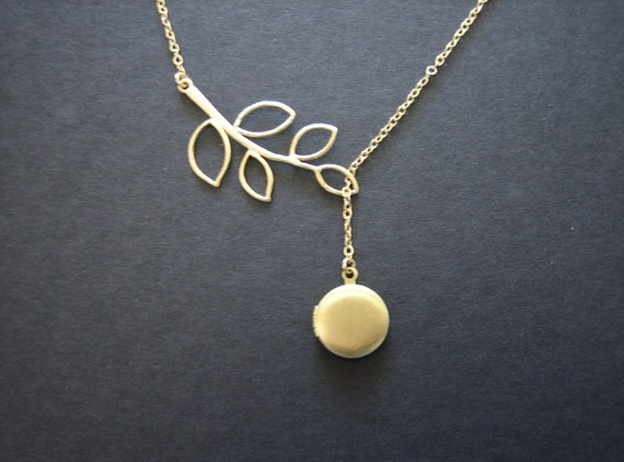Locket and gold leaf necklace, locket necklace - bridesmaids gifts, dainty simple locket jewelry, wedding jewelry gift, family necklace