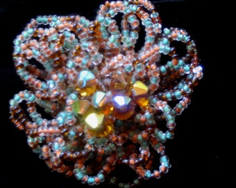 Vintage 60s  - Cluster Pin with topaz rhinestone center