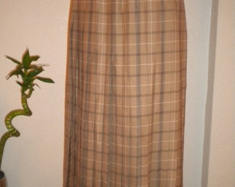 Lovely Camel Plaid  Pleated JAEGER Vintage Wool Skirt - Size 6