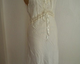 1940's Ivory Rayon Lace and Ribbon LADY LEONORA Vintage Peignoir Set - S