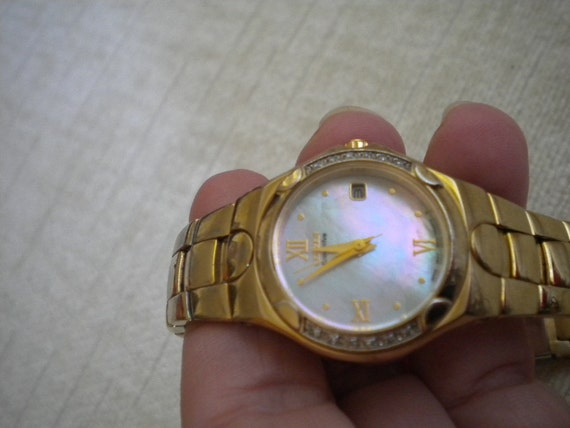 Vintage CITIZEN ECO DRIVE Corso Mother of Pearl Face Diamond Edge Gold Watch