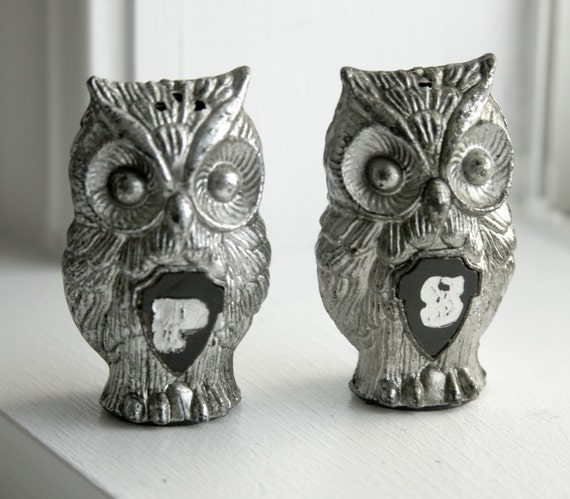 retro silvery owl salt and pepper shakers