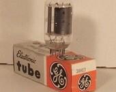 38HE7 GE Vacuum Tube