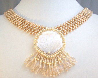 Golden Pearls Necklace Beadwoven Scallop Shell