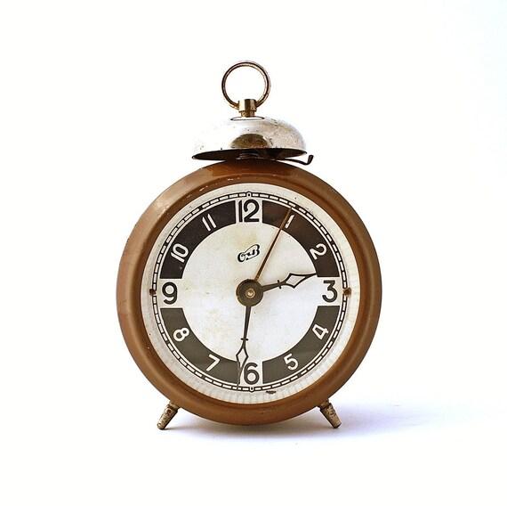 RARE Vintage Russian mechanical alarm clock Ochz from Soviet Union, brown alarm clock, Soviet alarm clock