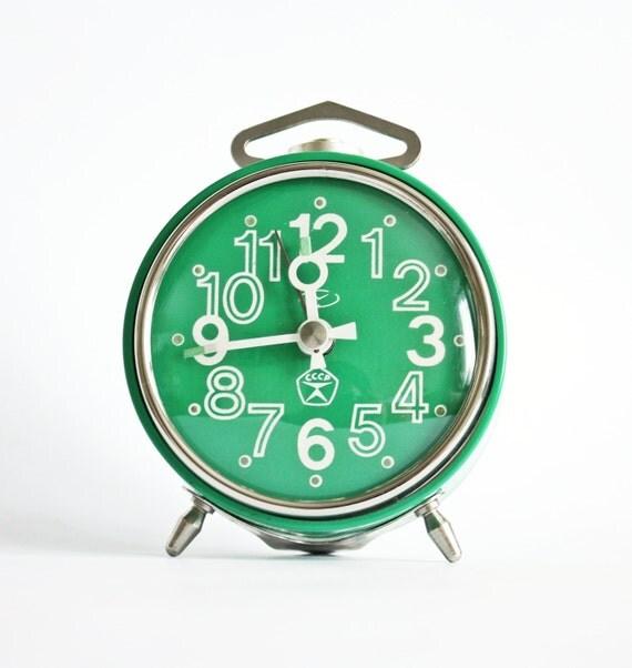 Vintage mechanical alarm clock Vitjaz from Russia Soviet Union green alarm clock