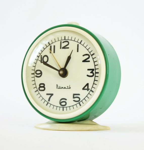 Turquoise alarm clock from Russia, vintage mechanical alarm clock Vitjaz, green color