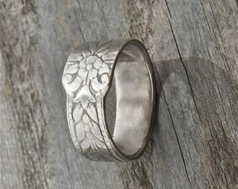 silver ring, delicate floral  pattern, flower ring, made in america