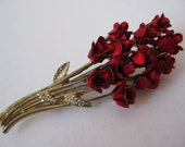 Red Roses Flowers Brooch Gold Pin