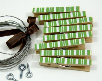 Clothesline Kit. Green Stripe Clothespins and Hanging Wire