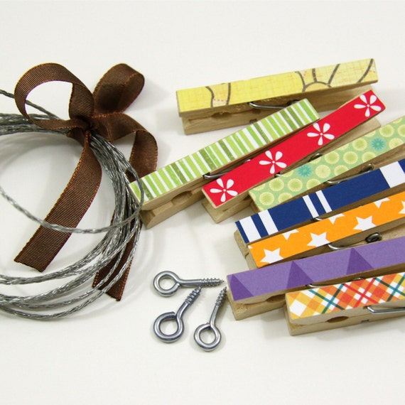 Clothesline Kit. Rainbow Clothespins and Hanging Wire
