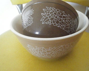 Woodland Pyrex Nesting Bowls 2 pc. Set