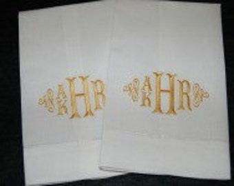 Monogrammed / Personalized / Embroidered Linen Handtowel for double-name / Fishtail Font