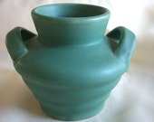 Camark  Pottery Matte Green Beehive Vase - Excellent Condition