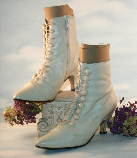 Steampunk  Vintage Victrian Romantic White Leather Button up Granny Boots