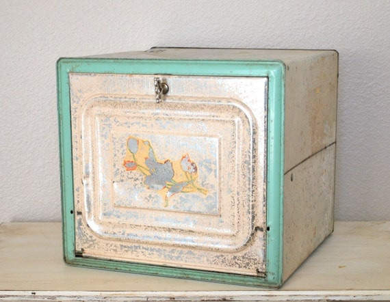 Amazing Antique 1930s Bread Box