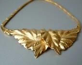 RESERVED FOR SISI Vintage Monet goldtone leaf choker necklace