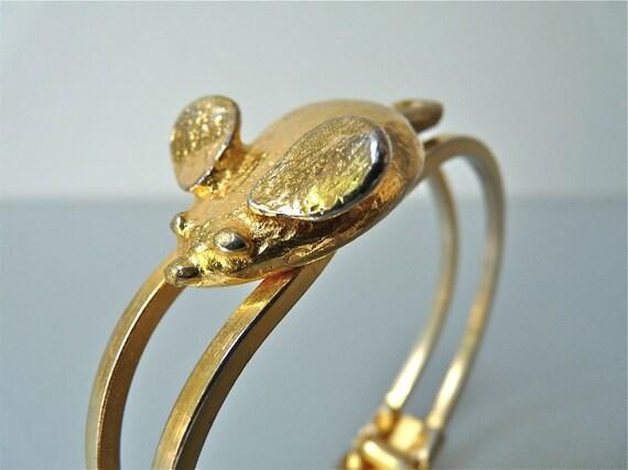 Vintage Mimi di N gold tone mouse clamper bracelet