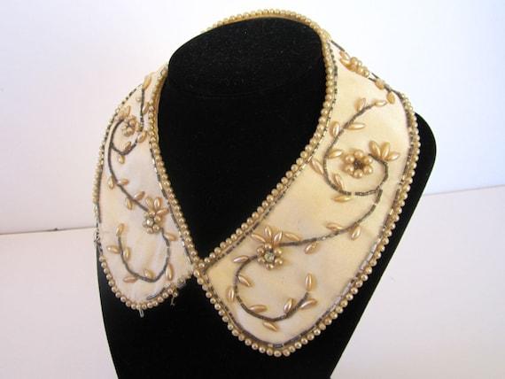 Wonderful 1950s Beaded Detachable Collar
