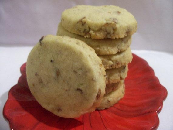 Pecan Shortbread Cookies 1 Dozen by thefatandhappybakery
