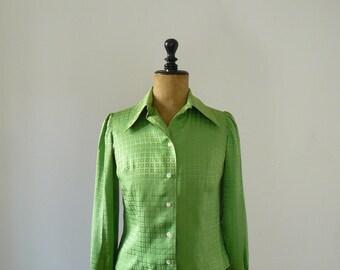 Vintage 1960s Mod green button down blouse. geometric print shirt