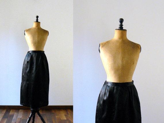 Vintage 1970s black satin maxi skirt. longuette