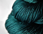 Giant clam knocking on heaven's door OOAK - Silk Yarn Lace weight