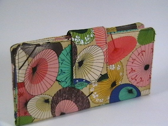 Wallet with oriental umbrellas