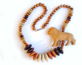 VINTAGE Wood LION Necklace, African-themed Wood Beads and Lion, Women's Ethnic Accessory