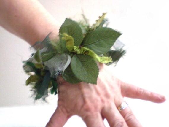 Green Fiber Bracelet Bangle, Mixed Fiber Bangle, Olive Green Bracelet, Soft Bendable Bangle
