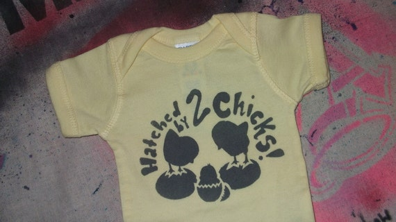 LGBT Lesbian mothers Hatched by 2 chicks proud baby bodysuit infant creeper crawler snapsuit onepiece