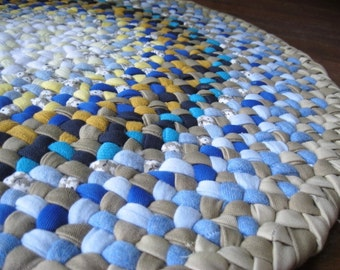 Made to order Braided Round Rug from recycled cotton in your choice of colors
